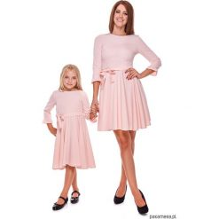 LATORI - Sukienka z kolekcji Mama i córka LD30. Szare sukienki dziewczęce z falbanami Pakamera, w paski, z tkaniny, eleganckie. Za 69,00 zł.