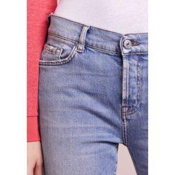 7 for all mankind JOSEFINA Jeansy Slim Fit blue denim. Niebieskie jeansy damskie relaxed fit 7 for all mankind, z bawełny. W wyprzedaży za 403,60 zł.
