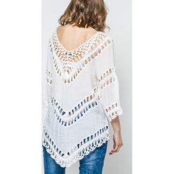 Bluzki damskie: Bluzka zdobiona szydełkowymi wstawkami biała