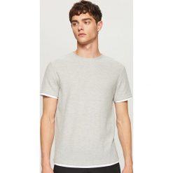 Sweter z krótkim rękawem - Jasny szar. Białe swetry klasyczne męskie marki Reserved, l, z dzianiny. W wyprzedaży za 39,99 zł.