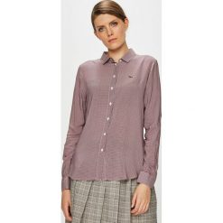 Lacoste - Koszula. Szare koszule wiązane damskie Lacoste, z tkaniny, casualowe, z klasycznym kołnierzykiem, z długim rękawem. W wyprzedaży za 359,90 zł.