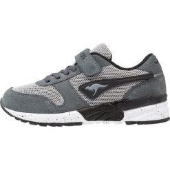 KangaROOS CHINU Tenisówki i Trampki steel grey/jet black. Niebieskie trampki chłopięce marki KangaROOS. Za 189,00 zł.