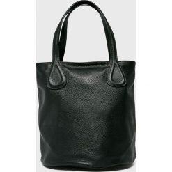 Answear - Torebka skórzana. Czarne torebki klasyczne damskie marki ANSWEAR, z materiału, duże. Za 299,90 zł.