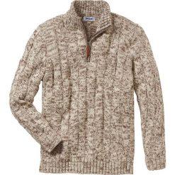 Sweter ze stójką Regular Fit bonprix beżowy melanż. Brązowe golfy męskie marki bonprix, l, melanż. Za 89,99 zł.