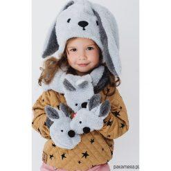 Czapka w zestawie z łapkami i szalikiem Rabbit. Szare czapeczki niemowlęce Pakamera. Za 109,00 zł.