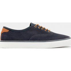 Buty męskie: Granatowie tenisówki basic w miejskim stylu