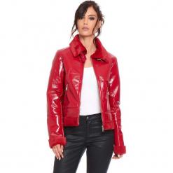 """Kurtka """"Molly"""" w kolorze czerwonym. Czerwone kurtki damskie marki Cosy Winter, s, z lakierowanej skóry. W wyprzedaży za 272,95 zł."""