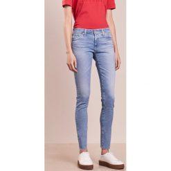 AG Jeans LEGGING Jeans Skinny Fit lightblue denim. Niebieskie rurki damskie marki AG Jeans, z bawełny. W wyprzedaży za 944,25 zł.