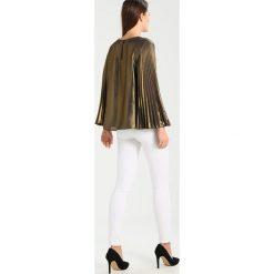 Bardot GOLD PLEAT TOP Bluzka gold. Żółte bluzki damskie Bardot, xs, z materiału. W wyprzedaży za 169,50 zł.