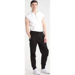 Black Kaviar SPIRIT Tshirt z nadrukiem offwhite. Białe koszulki polo Black Kaviar, m, z nadrukiem, z bawełny. W wyprzedaży za 335,20 zł.