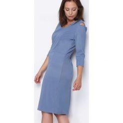 Niebieska Sukienka From the Other Side. Niebieskie sukienki marki Born2be, m, midi, oversize. Za 49,99 zł.