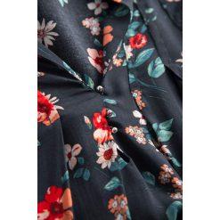 Bluzki damskie: Bluzka z wiązaniami na rękawach