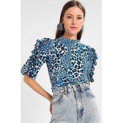 Bluzki asymetryczne: Karen Millen LEOPARD PRINT FRILL  Bluzka blue
