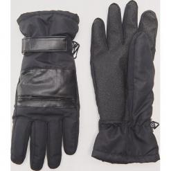 Rękawiczki z łączonych materiałów - Czarny. Czarne rękawiczki męskie marki House, z materiału. Za 59,99 zł.
