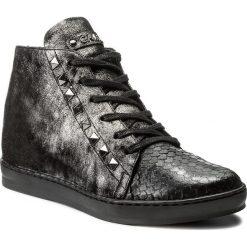 Sneakersy CARINII - B3974 K49-I23-PSK-C35. Czarne sneakersy damskie marki Carinii, z materiału, z okrągłym noskiem, na obcasie. W wyprzedaży za 259,00 zł.
