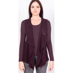 """Kamizelka """"Charlene"""" w kolorze fioletowym. Fioletowe kamizelki damskie marki Ateliers de la Maille, z kaszmiru. W wyprzedaży za 409,95 zł."""