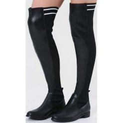 Czarne Matowe Kozaki You Are Everything. Czarne buty zimowe damskie vices, z materiału, z okrągłym noskiem, na obcasie. Za 169,99 zł.