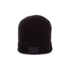 Czapki Fred Perry  C4104. Czarne czapki zimowe męskie Fred Perry. Za 379,39 zł.