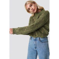 Moves Sweter Fiolina - Green. Zielone swetry oversize damskie Moves, z dzianiny, z długim rękawem. Za 303,95 zł.