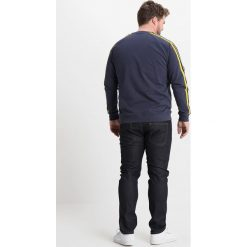 Burton Menswear London RAW WASH Jeansy Slim Fit blue. Niebieskie rurki męskie Burton Menswear London. Za 169,00 zł.
