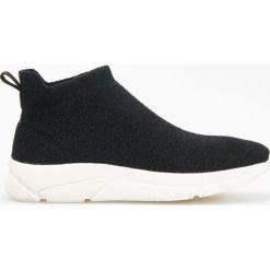 Buty sportowe damskie: Sportowe buty z elastyczną cholewką - Czarny