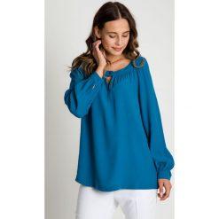 Morska bluzka z długim rękawem BIALCON. Zielone bluzki longsleeves marki BIALCON, wizytowe. W wyprzedaży za 79,00 zł.