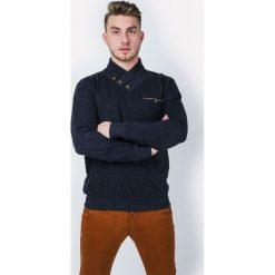 Swetry klasyczne męskie: Sweter męski z guzikami pod szyją
