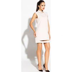 Beżowa Sukienka Mini z Wycięciami. Brązowe sukienki hiszpanki Molly.pl, na randkę, l, z poliesteru, wizytowe, z dekoltem na plecach, bez rękawów, mini, proste. Za 209,90 zł.
