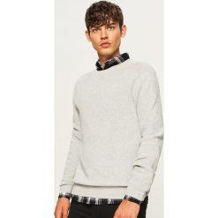 Sweter - Jasny szar. Szare swetry klasyczne męskie marki Reserved, l, w paski, z klasycznym kołnierzykiem. Za 99,99 zł.