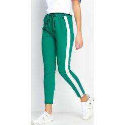 Spodnie dresowe damskie: Zielono-Białe Spodnie Dresowe Two Colors