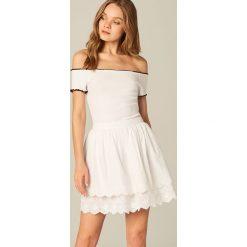 Spódniczki: Bawełniana spódnica z ażurowym akcentem – Biały