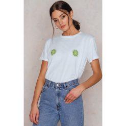 NA-KD T-shirt Lime - White. Białe t-shirty damskie NA-KD, z nadrukiem, z bawełny, z okrągłym kołnierzem. W wyprzedaży za 29,18 zł.