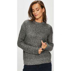Pieces - Sweter Fania. Szare swetry klasyczne damskie Pieces, l. Za 149,90 zł.