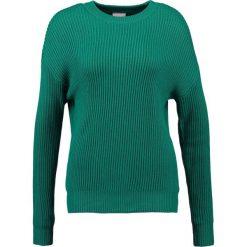 Swetry klasyczne damskie: Karen by Simonsen ACTUAL Sweter jelly bean