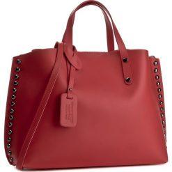 Torebka CREOLE - K10374  Czerwony. Czerwone torebki klasyczne damskie Creole, ze skóry, duże. W wyprzedaży za 259,00 zł.