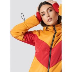 Glamorous Kurtka Blocked Padded - Multicolor,Yellow. Różowe kurtki damskie marki Glamorous, z nadrukiem, z asymetrycznym kołnierzem, asymetryczne. Za 283,95 zł.