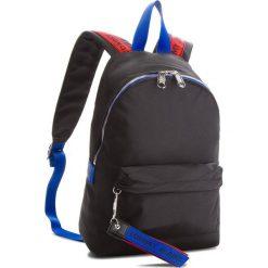 Plecak TOMMY JEANS - Tj Logo Tape Mini Bag AU0AU00342  902. Czarne plecaki damskie Tommy Jeans, z jeansu, klasyczne. Za 399,00 zł.