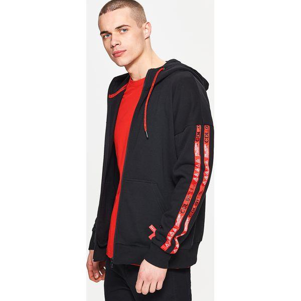 b719eb1090 Bluza o kroju comfort - Czarny - Czarne bluzy męskie Cropp
