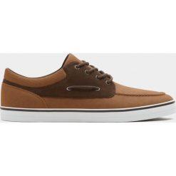 Buty męskie: Brązowe buty sportowe w marynarskim stylu