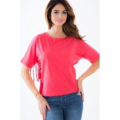 Koralowy t-shirt z frędzlami BB20223. Pomarańczowe t-shirty damskie Fasardi, m. Za 39,00 zł.