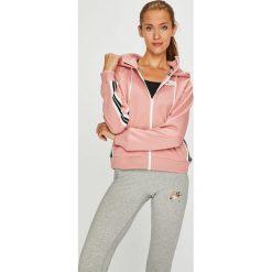 Nike Sportswear - Bluza. Różowe bluzy z kapturem damskie marki Nike Sportswear, l, z nylonu, z okrągłym kołnierzem. Za 279,90 zł.