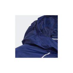 Kurtki krótkie Dziecko  adidas  Kurtka przeciwdeszczowa Core 18. Czerwone kurtki chłopięce przeciwdeszczowe marki Adidas, krótkie. Za 149,00 zł.