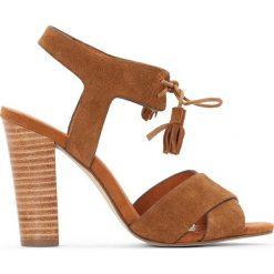 Rzymianki damskie: Sandały skórzane, troczki z pomponami