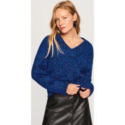 Sweter z brokatową nitką - Niebieski. Niebieskie swetry klasyczne damskie Reserved, l. Za 159,99 zł.