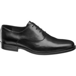 Eleganckie buty męskie AM SHOE czarne. Czarne buty wizytowe męskie AM SHOE, z materiału, na sznurówki. Za 199,90 zł.