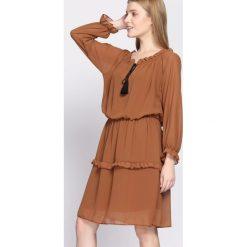 Sukienki: Camelowa Sukienka Counseled