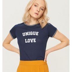 T-shirt z nadrukiem - Granatowy. Niebieskie t-shirty chłopięce z nadrukiem Reserved, l. Za 29,99 zł.