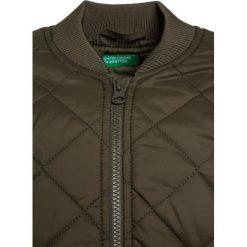 Benetton Kurtka przejściowa khaki. Brązowe kurtki chłopięce przejściowe marki Benetton, z materiału. Za 169,00 zł.