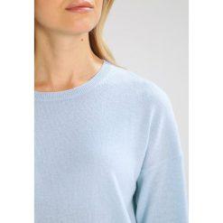 Swetry klasyczne damskie: FTC Cashmere Sweter alaskan blue