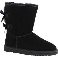 Skórzane botki w kolorze czarnym. Czarne buty zimowe damskie Carla Samuel, na zimę. W wyprzedaży za 219,95 zł.